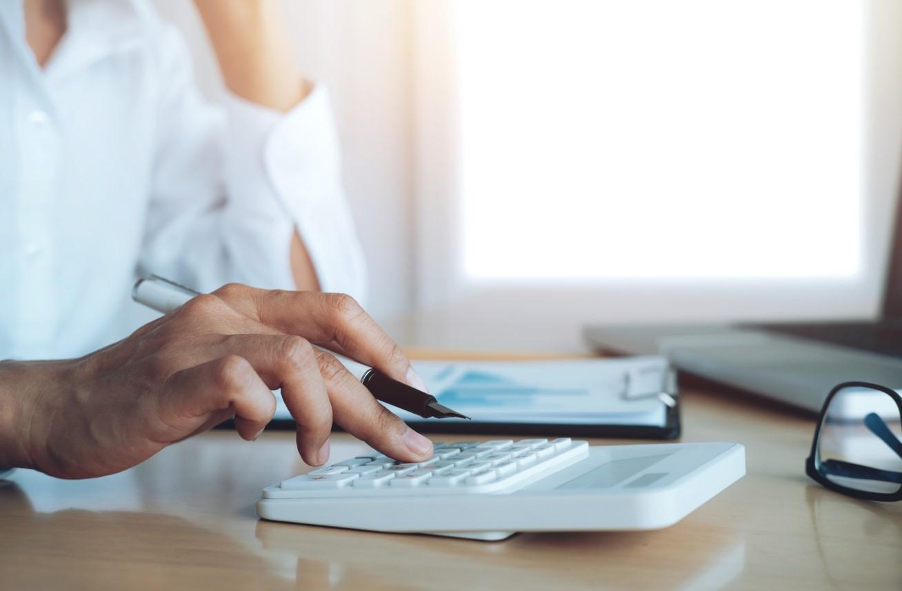 Mi befolyásolja az ingatlan eladás utáni adózást?