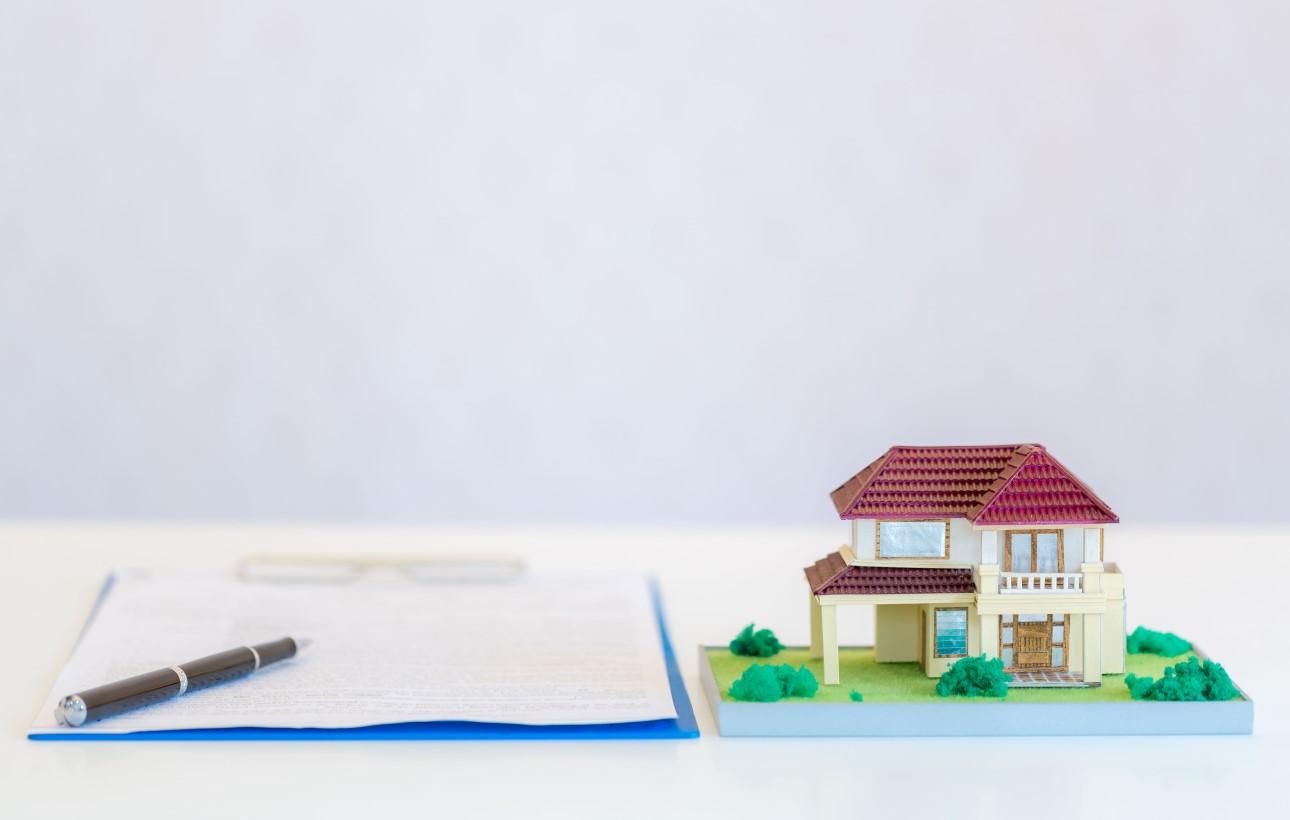 Lakás adásvételi szerződés aláírása